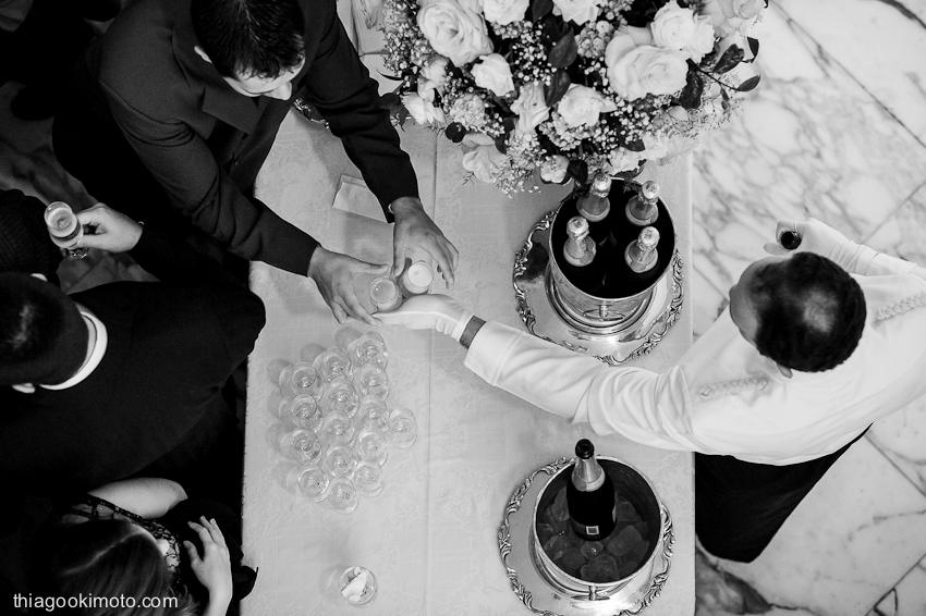fotojornalismo casamento, fotos casamento sp, thiago okimoto, brazilian wedding photographer, brazilian wedding photography, wedding photographer rio, wedding photographer sao paulo, wedding photojournalism, fotos noivos, fotos casamento, album casamento, fotos album casamento, brinde casamento, fotos brinde, thiago okimoto, thiago okimoto photographer